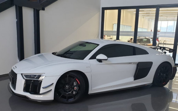 Audi R8 Audi Performance (White), 2019 for rent in Dubai
