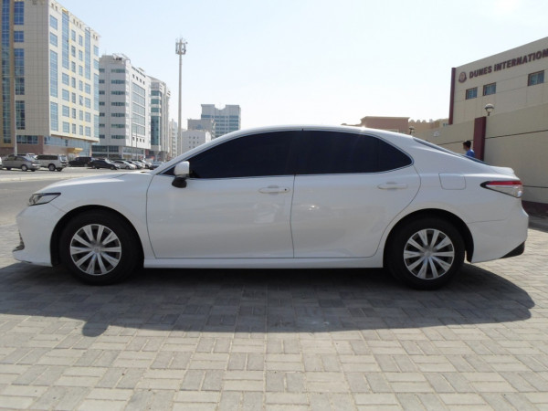 Toyota Camry (White), 2019 for rent in Dubai price