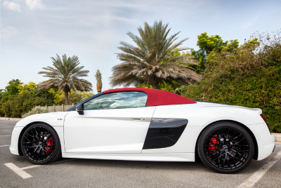 Audi R8 V10 Spyder (White), 2018 for rent in Dubai