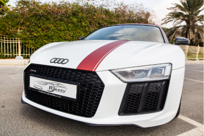 hire Audi R8 V10 Spyder (White), 2018 in Dubai