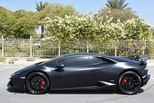 rental Lamborghini Huracan (Black), 2017 in Dubai