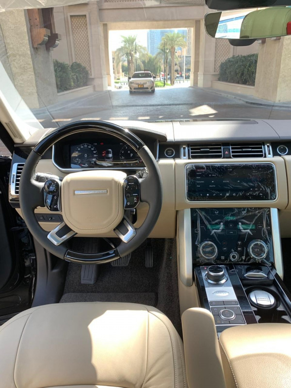 Range Rover Vogue (Black), 2018 for rent in Dubai