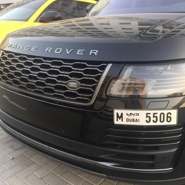 rental Range Rover Vogue (Black), 2019 in Dubai