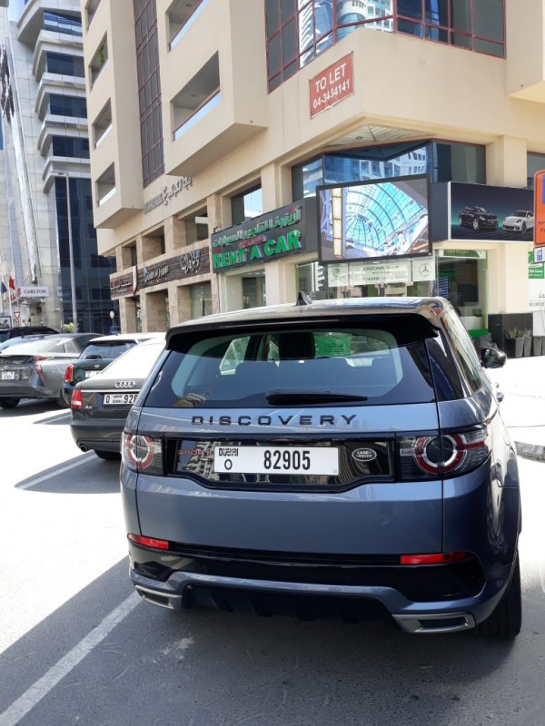 Range Rover Discovery (Blue), 2019 for rent in Dubai price