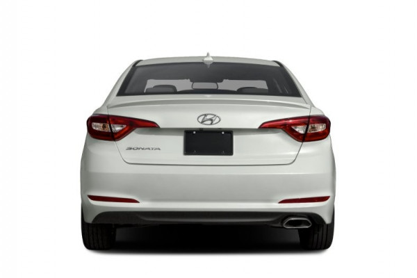 Hyundai Sonata (Bright White), 2017 for rent in Dubai
