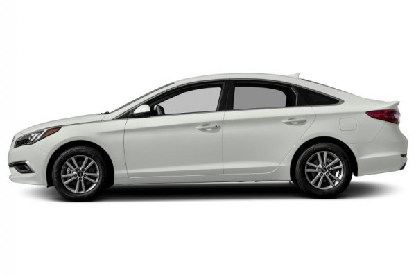 Hyundai Sonata (Bright White), 2017 for rent in Dubai reviews