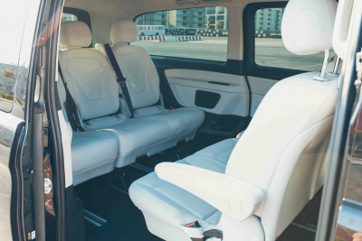 Mercedes V Class (Black), 2018 for rent in Dubai reviews