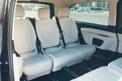 hire Mercedes V Class (Black), 2018 in Dubai reviews
