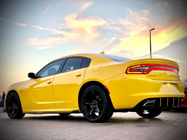 Dodge Charger R/T (Yellow), 2018 for rent in Dubai