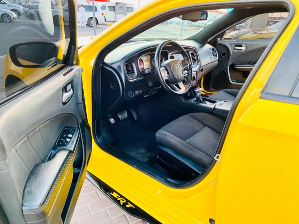 hire Dodge Charger R/T (Yellow), 2018 in Dubai